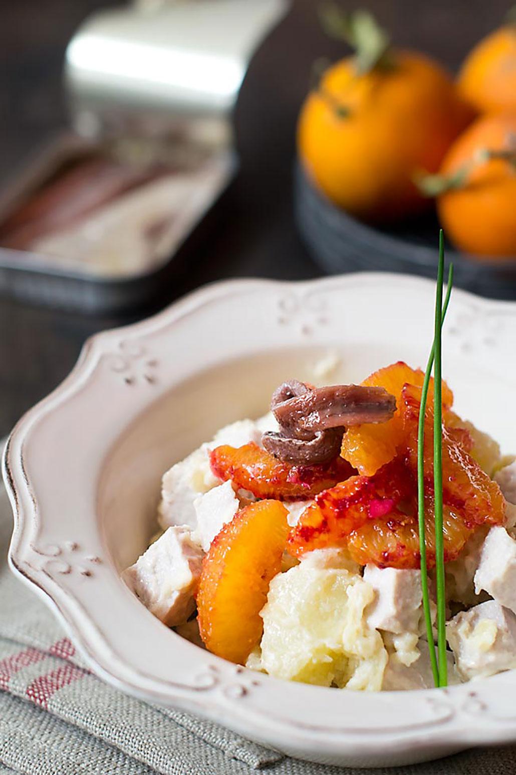 Ensalada anchoas, naranja y lomo