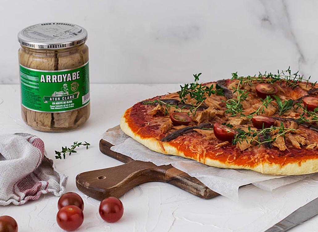Pizza de anchoas y atún